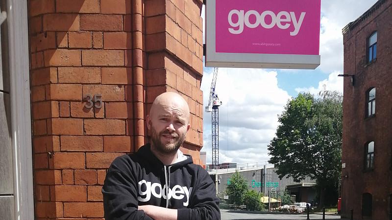 James Holloway, Gooey