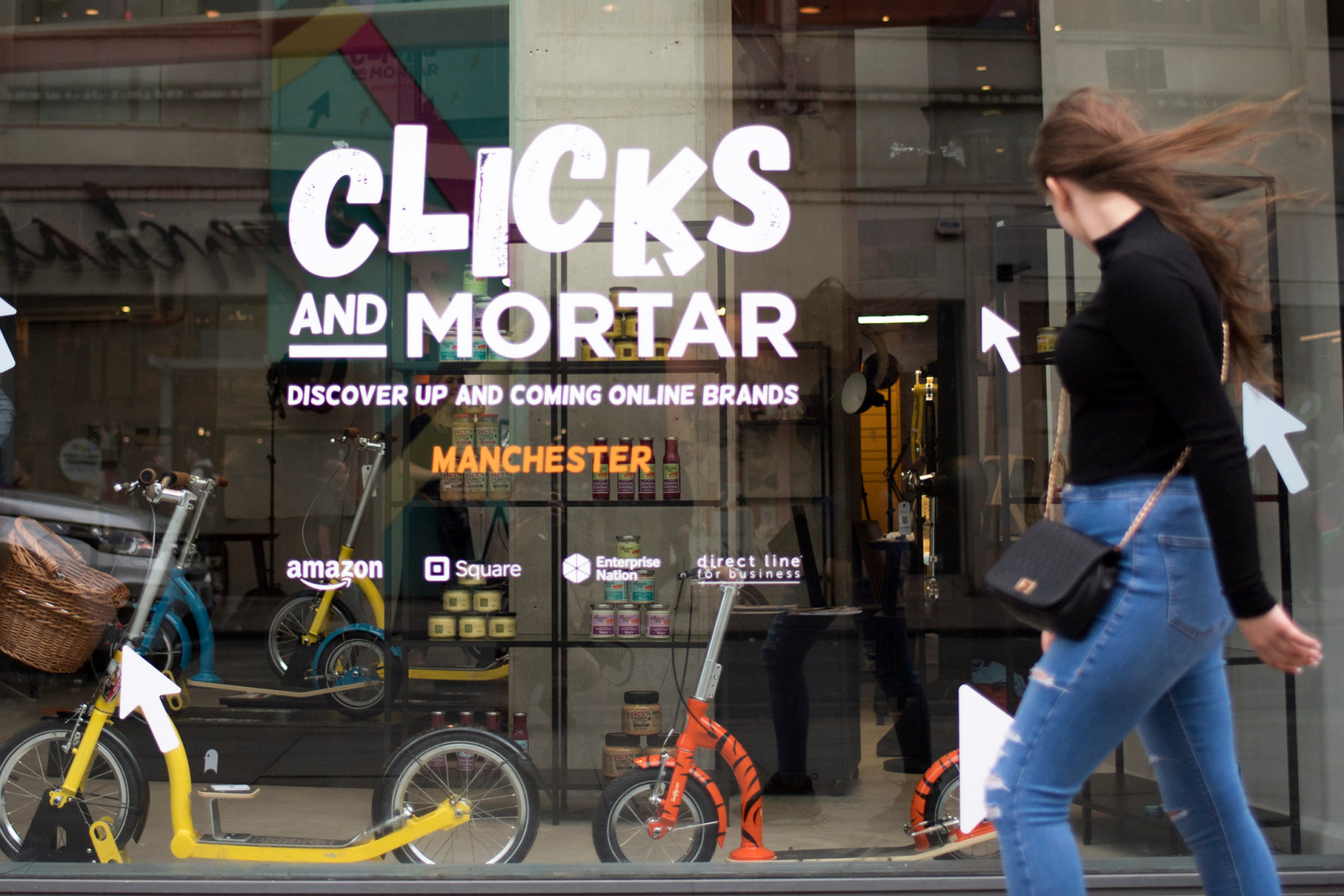 Amazon plots ten 'Clicks and Mortar' high street stores in UK