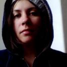 Suzie Cloves (senior writer & editor)