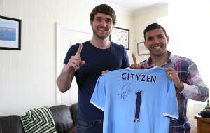 The winning fan and Sergio Aguero