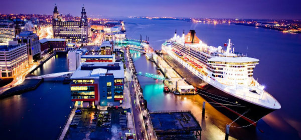 The Queen Mary 2 docking at Liverpool Pier Head